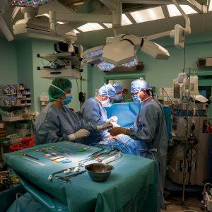operacja z wykorzystaniem kleju tkankowego